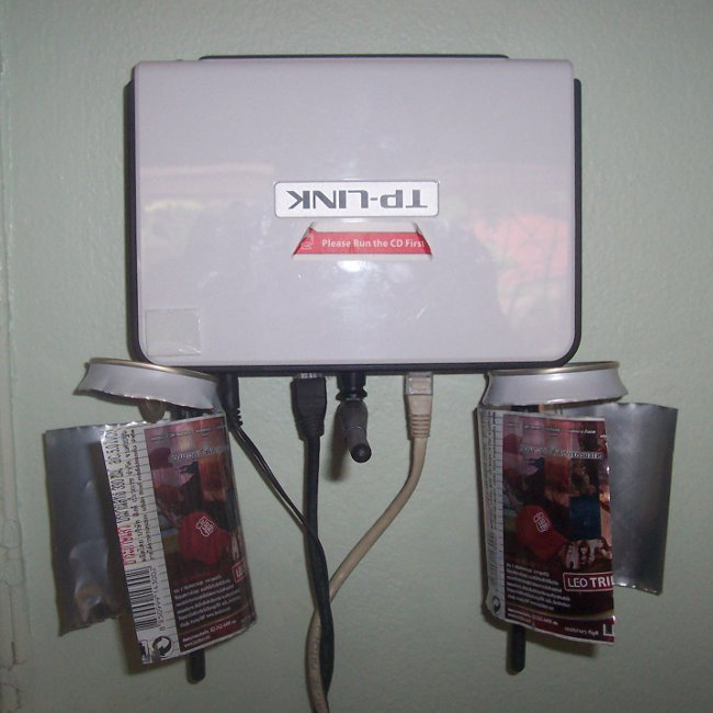 TL-WR940N Router with Beer Can Antenna