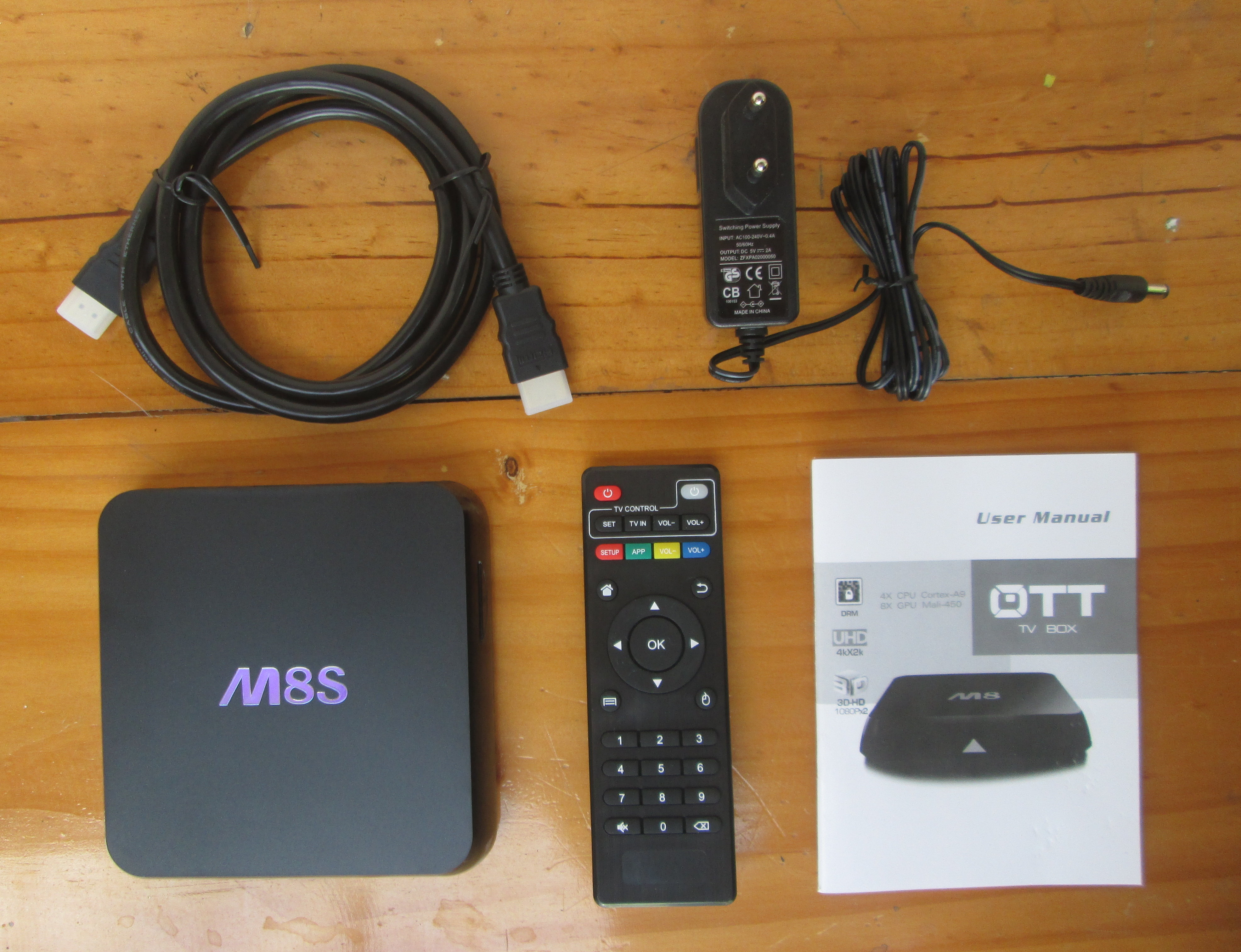 Unboxing of Eny M8S H 265 / 4K Android Media Player Powered