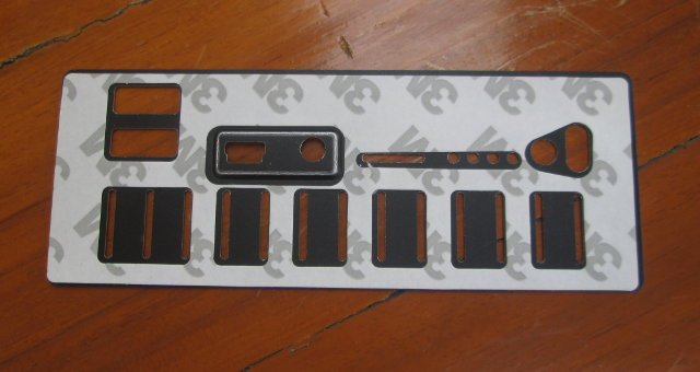 Metal_Plate_with_Sticker