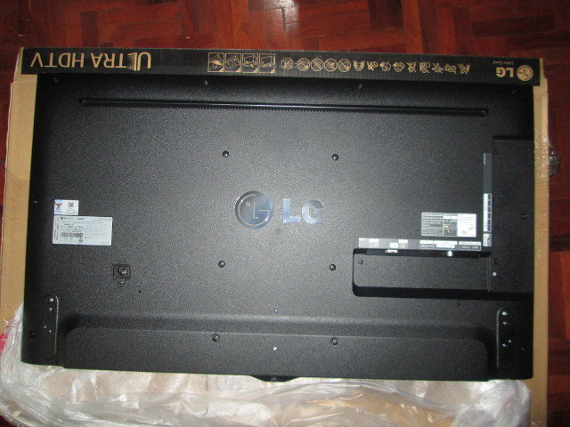 Back Panel of 42UB820T (Click to Enlarge)