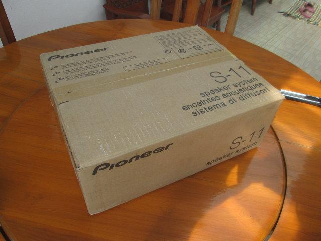 Pioneer_S11_Package
