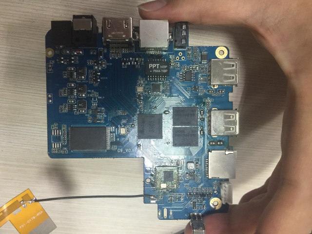 Amlogic S905 TV Box Board for EM95 and EM95-MXQ (Click to Enlarge)