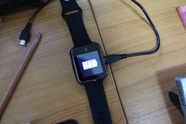 D3_Smartwatch_Charging