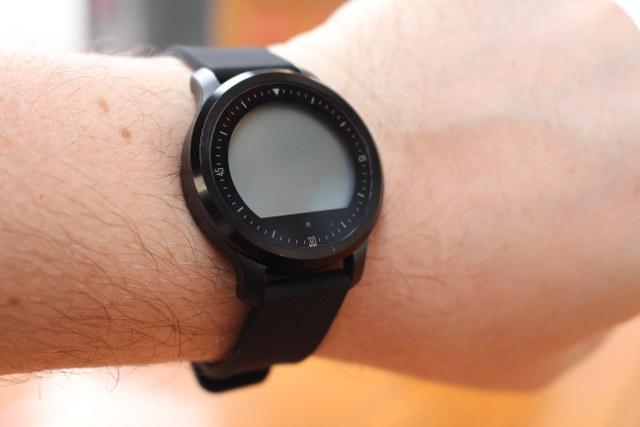 Makibes_F68_On_Wrist