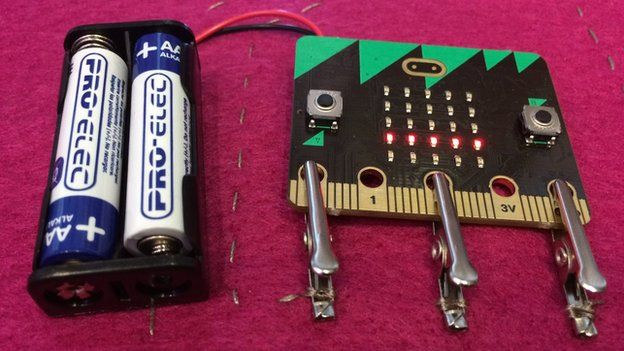 Micro-bit_crocodile_battery