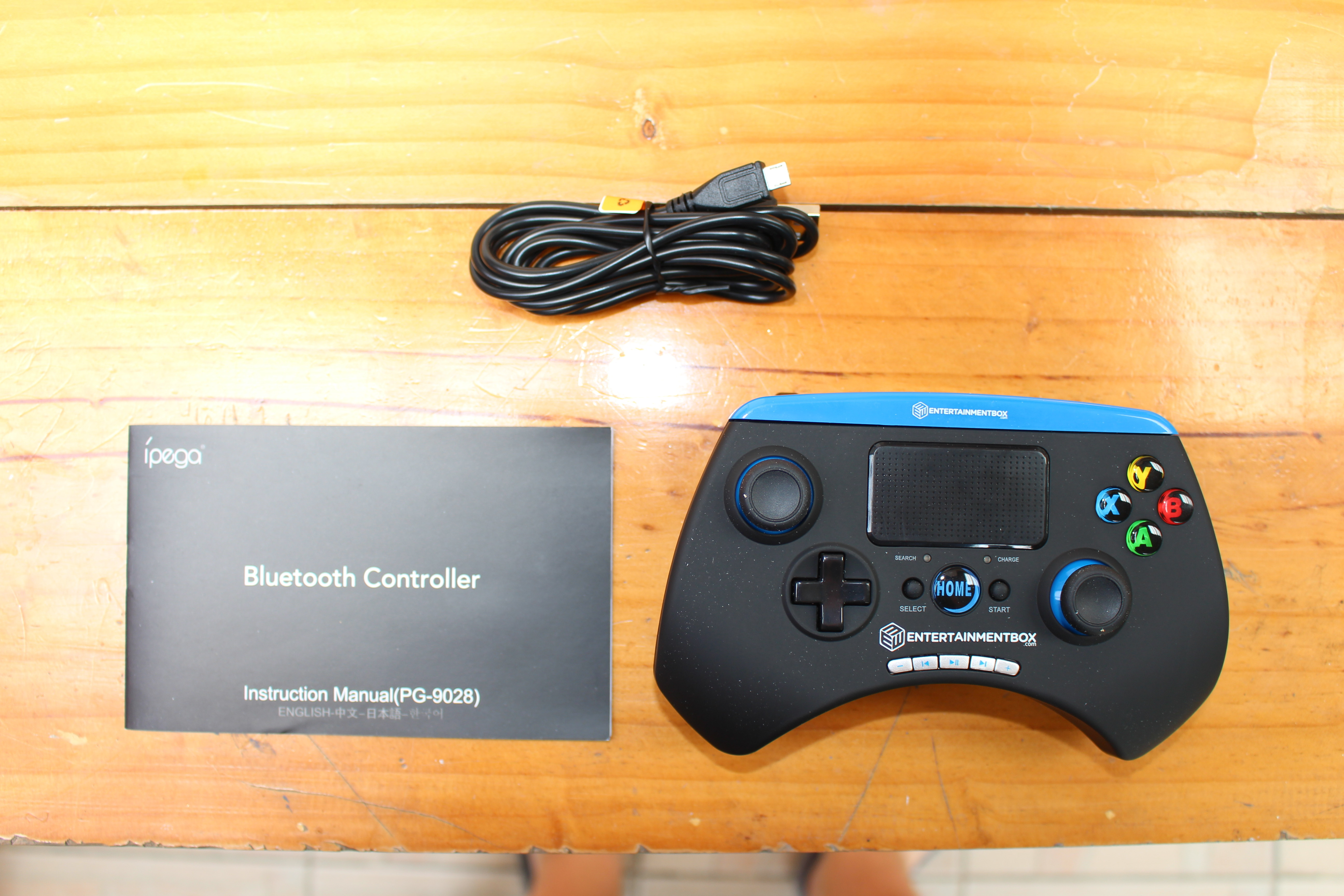 EBox T8-4 TV Box and Ipega Bluetooth Game Controller