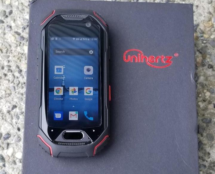 Unihertz-Tiny-Smartphone