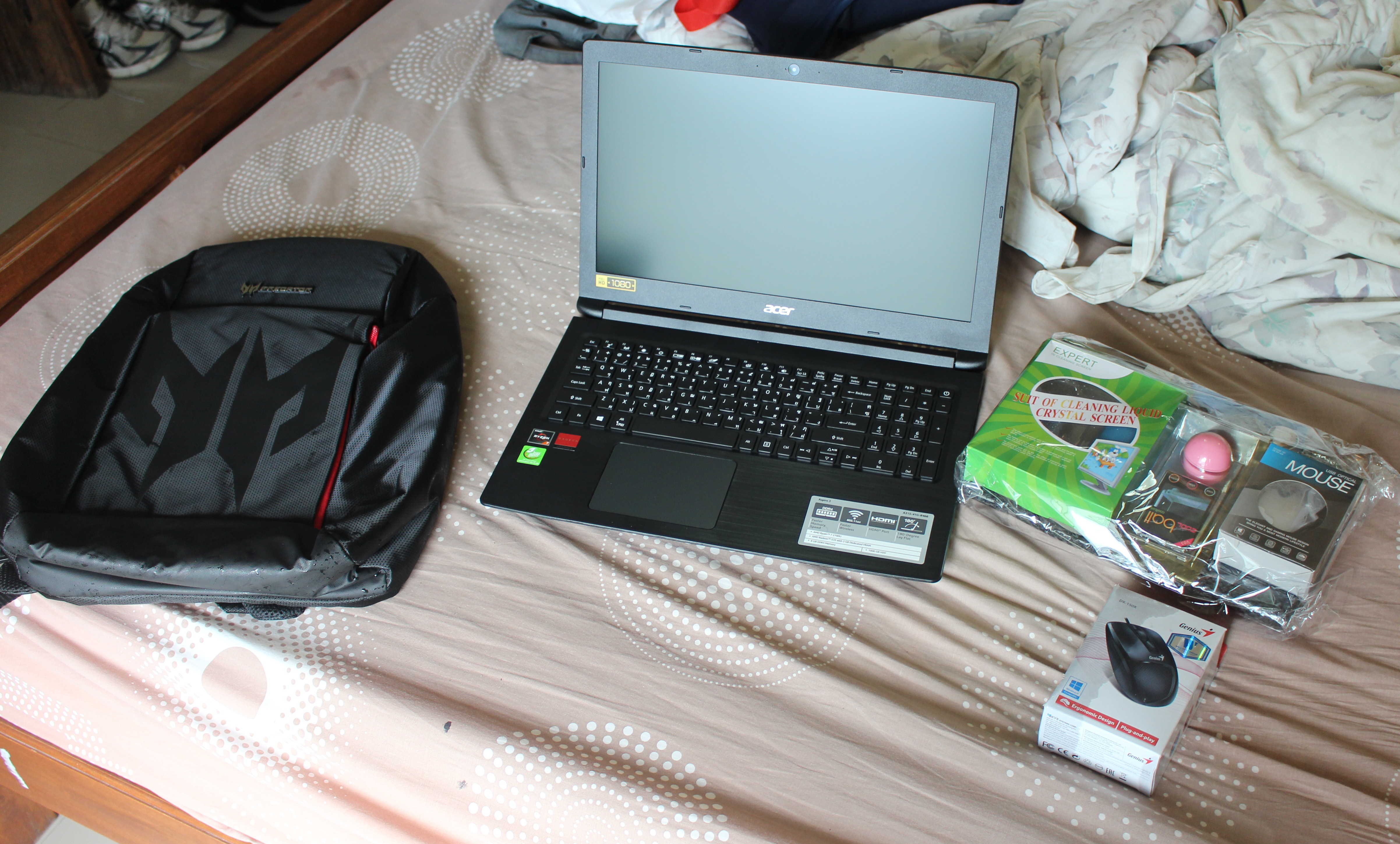 Acer Aspire 3 A315-41G (AMD Ryzen 7 2700U) Laptop - Installing