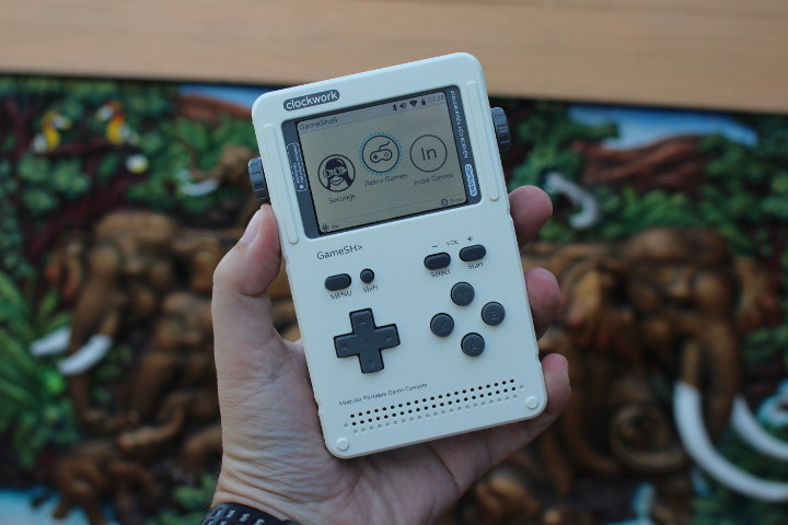 ClockworkPi Gameshell Review