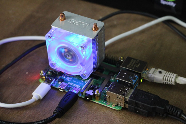 Raspberry Pi 4 ICE Tower CPU Cooling Fan Review
