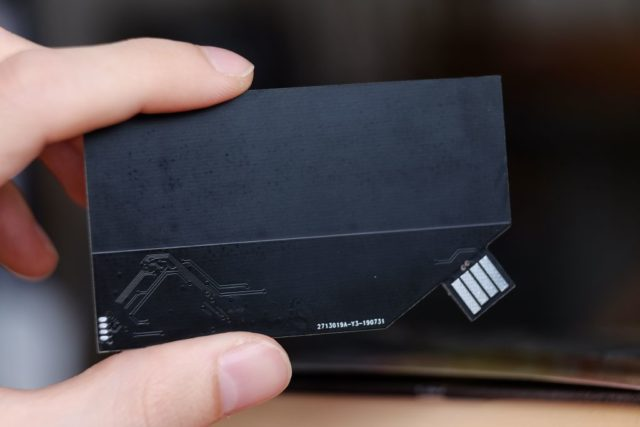 Business card with USB