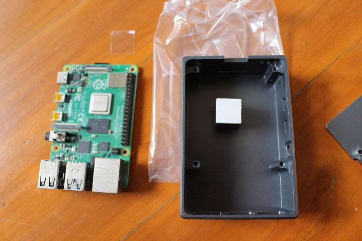 Raspberry Pi 4 Thermal Pad Enclosure