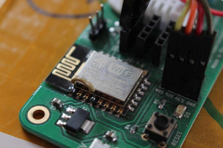 ESP8266 Short RESET & GPIO16/WAKE Pin