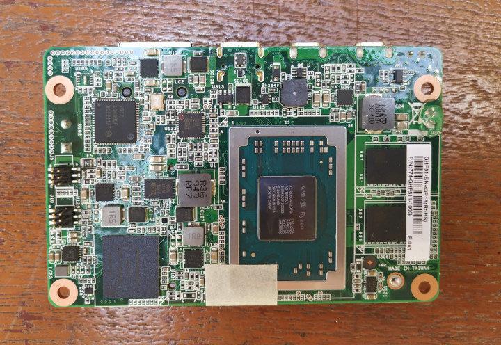 AMD Ryzen Embedded R1606G SBC