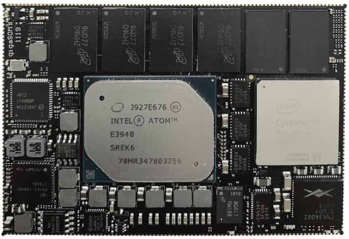 GigaSOM GS01 with Atom E3940 and Cyclone 10 FPGA