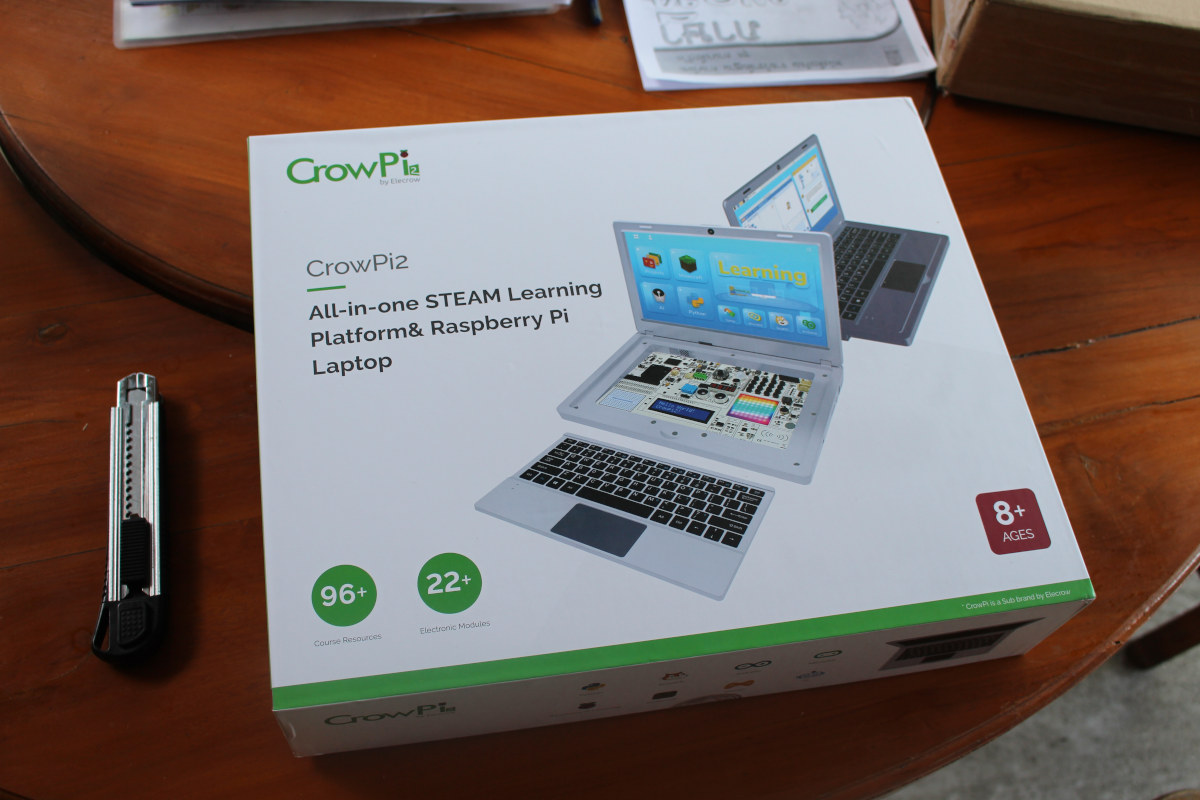 CrowPi2 all-in-one STEAM-Learning-Platform Raspberry Pi Laptop