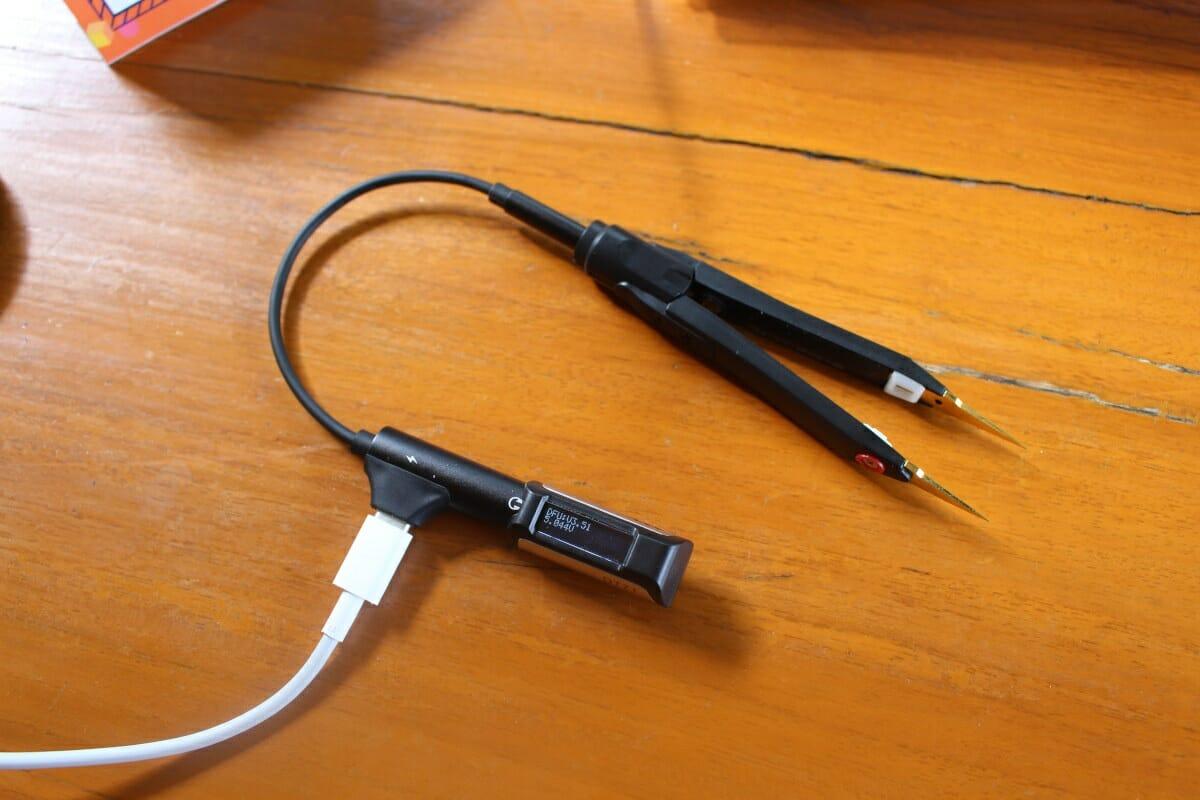 DT71 Digital Tweezers Charging & Data Connection