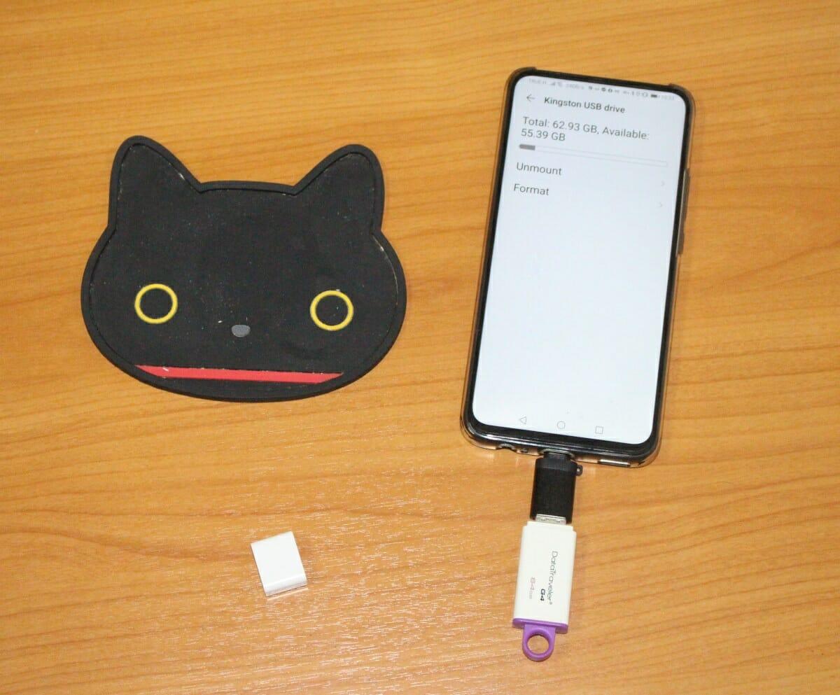 USB-C flash drive adapter smartphone