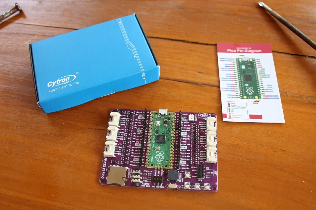 Maker Pi Pico Unboxing