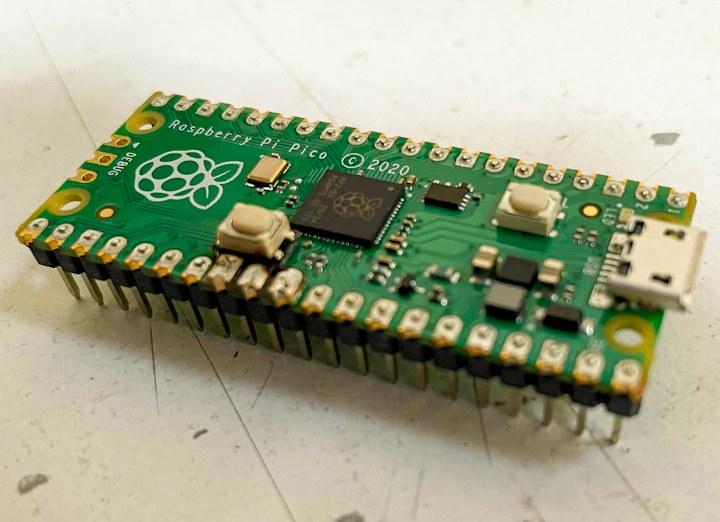 Raspberry Pi Pico Captain Resetti button