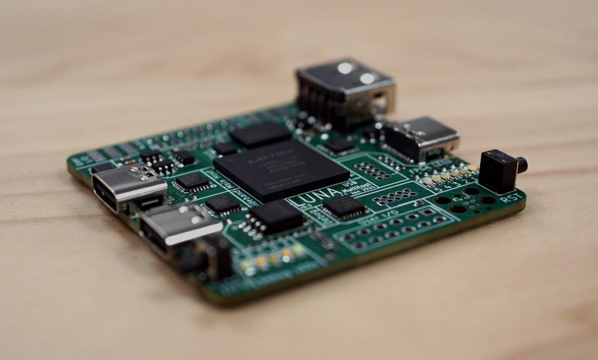 LUNA USB Hacking board